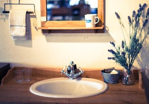 洗面所と鏡