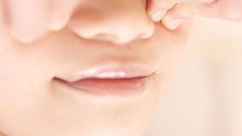 鼻のマッサージ