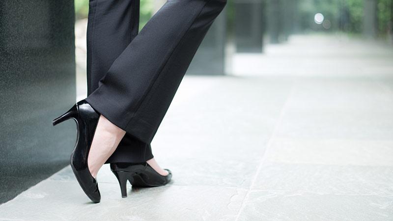 社会人女性の足元